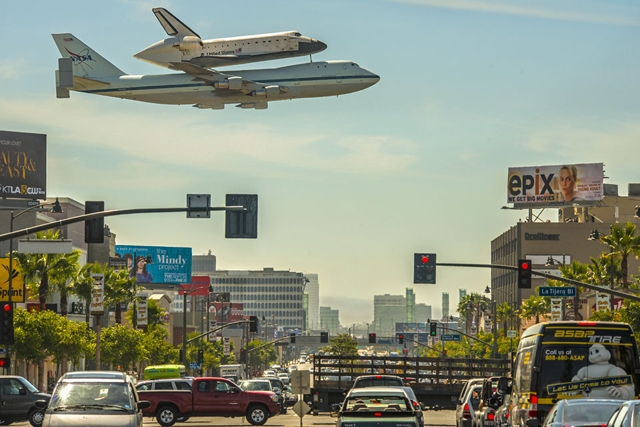 A Space Shuttle Over Los Angeles (Image Credit & Copyright: Stephen Confer)